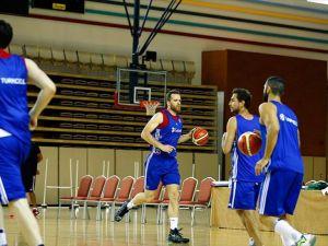 A Milli Erkek Basketbol Takımı'nda kadro 15'e düştü