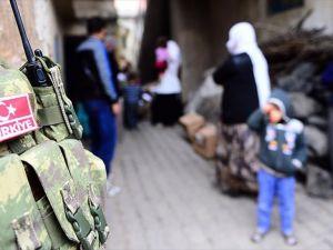 Güvenlik güçlerinin 'sabırlı' mücadelesi sivil kayıpları önlüyor