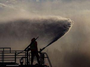 ABD'nin California eyaletindeki yangınlar yerleşim yerlerine doğru ilerliyor