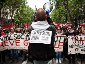 Fransa'da grev ve protestolar sürüyor