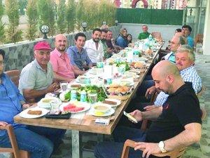Onsa inşaat'tan çalışanlarına iftar