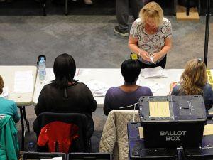 Birleşik Krallık'ta seçmen AB'den çıkma kararı verdi