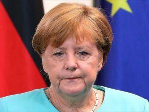 Merkel: Bugün Avrupa için dönüm noktasıdır