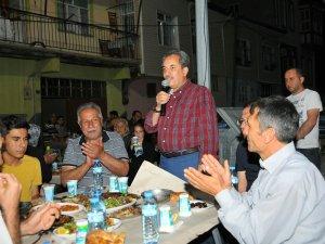 Akşehir'de komşular iftarda buluştu