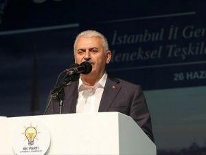 Başbakan Yıldırım İstanbul'da sahur programına katıldı