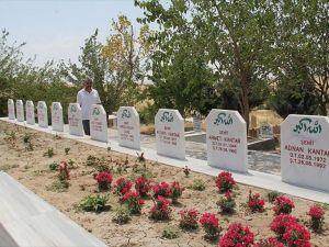 PKK'nın camideki katliamı unutulmuyor