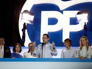 İspanya'daki genel seçimler ülkedeki siyasi belirsizliği bitiremedi