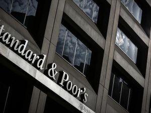 S&P İngiltere'nin kredi notunu düşürdü