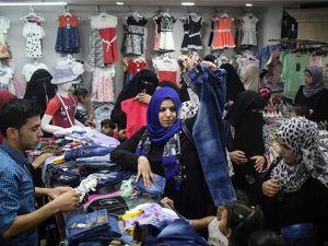 İHH'dan Gazzeli yetimlere 30'ar dolarlık bayramlık