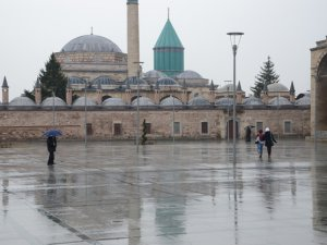 Konya'da sağanak yaz yağmuru
