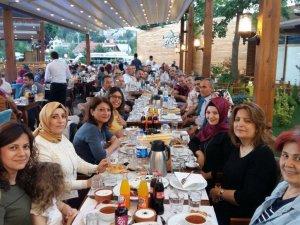 Mehmet Münevver Kurban Anadolu Lisesinin eğitimcileri iftarda