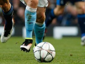 Manchester City' Aaron Mooy kadrosuna kattı