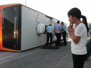 Elazığ'da otobüs devrildi