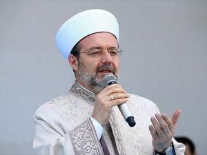'En büyük vazife, kalbimizin semasına Kur'an-ı Kerim'i yeniden indirmektir'