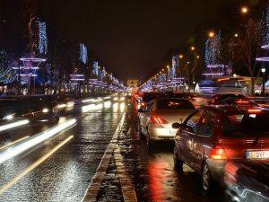 Paris'te eski araçlara trafik yasağı