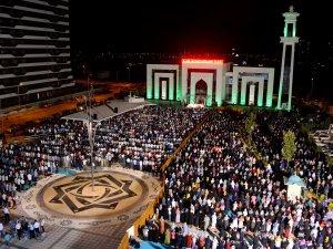 Meram'da Kadir Gecesi programına yoğun katılım