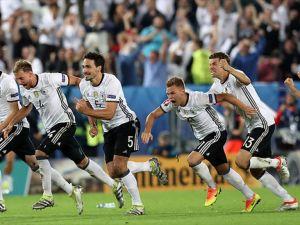 Almanya yarı finalde