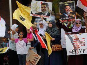 New York'ta 'Mursi hakkında idam kararı' protesto edildi