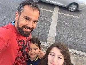 Hakan Yavuz tatlı kızları ile birlikte