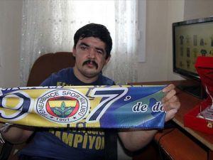 Engelli gencin havlu tasarımlarına Fenerbahçe'den talep