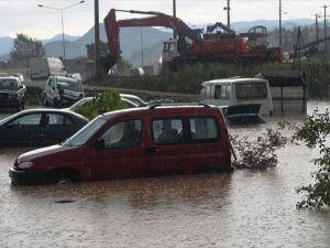 Ordu'da sel ve heyelan ev ve köprüleri yıktı