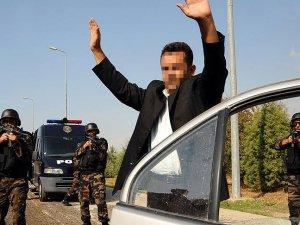 İzmir'de polis terör örgütlerine geçit vermedi