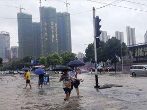 Çin'de şiddetli yağışlar 140 can aldı