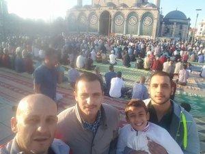 Şanlı ailesinden bayram selfiesi