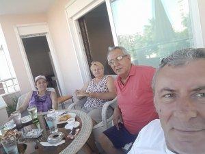 Öner ailesi tatilde