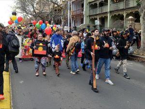 Avustralya'da Aborjinler hakları için yürüdü