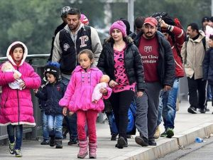 'Almanya'ya ilk 6 ayda 222 bin sığınmacı geldi'