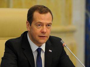 Medvedev charter seferleriyle ilgili talimat verdi