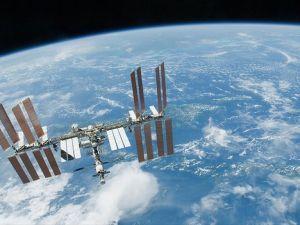 Soyuz kapsülü UUİ'ye kenetlendi