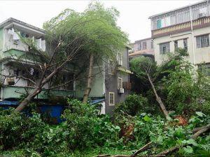 Çin'de fırtına nedeniyle 400 bin kişi tahliye edildi