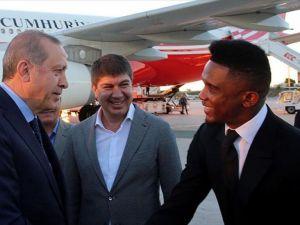 Cumhurbaşkanı Erdoğan Samuel Eto'o Vakfı'nın maçına davet edildi