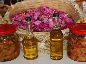 Zeytinyağı ve gül yaprağından cilt bakım ürünü