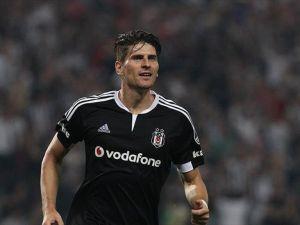 Beşiktaş, Mario Gomez'in doğum gününü kutladı