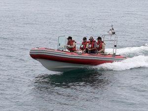 Ambarlı'da bir teknenin batması sonucu kaybolan 2 kişiyi arama çalışmaları sürüyor