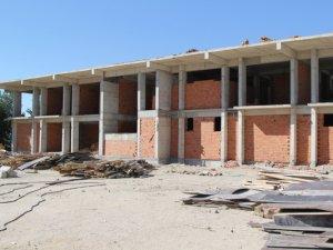 Cihanbeyli'de gençlik merkezi yapımı devam ediyor