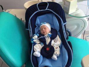 12 günlük bebeğin dişi çekildi