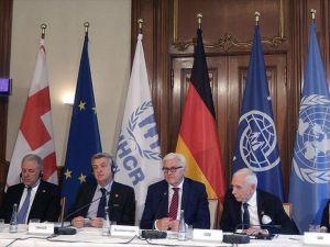 Almanya'da mülteci krizi toplantısı yapıldı
