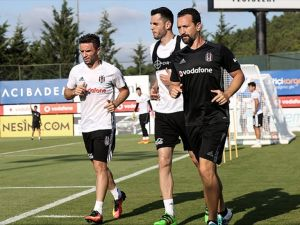 Gökhan Gönül Beşiktaş'ta ilk antrenmanına çıktı