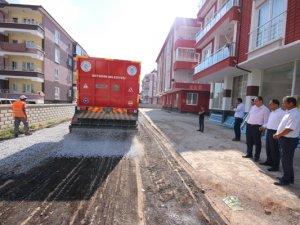Beyşehir Belediyesi mahallelerde yol çalışmalarını sürdürüyor