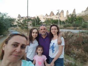 Kuntoğlu ailesi tatilde mutluluğun resmini çekmişler
