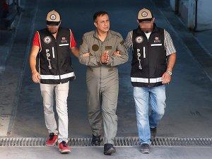 Bin 374 TSK personeli gözaltına alındı