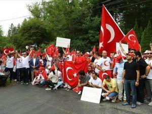 Abd'de Yaşayan Türkler Ve Abd'li Müslümanlar Darbe Girşimini Kınadı