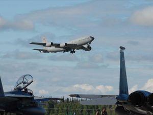 Darbe Karşıtı Askerler Yakıt İkmal Uçağını Piste İndirmedi