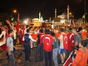 Konya'da darbe girişimine tepki dinmiyor
