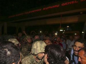 Trt'ye Baskın Yapan Ve Boğaziçi Köprüsü'ne Tanklarla Giden Askerler Tutuklandı