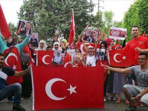 Beyrut'ta Terör Örgütü Fetö'nün Darbe Girişimi Protesto Edildi